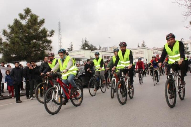 Protokol sigaranın zararlarına dikkat çekmek amacıyla bisiklet turu attı