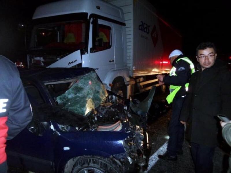 Nevşehir'de TIR ile kafa kafaya çarpışan otomobildeki 2 kişi öldü