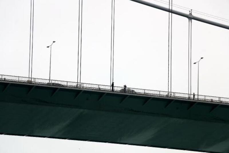 İntihar girişimi FSM trafiğini kilitledi
