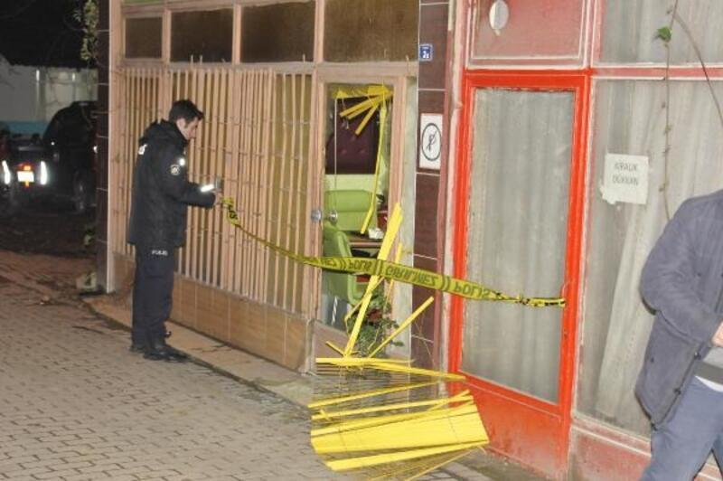 Kahvehaneye pompalı tüfekle ateş açtı: 2 kardeş öldü