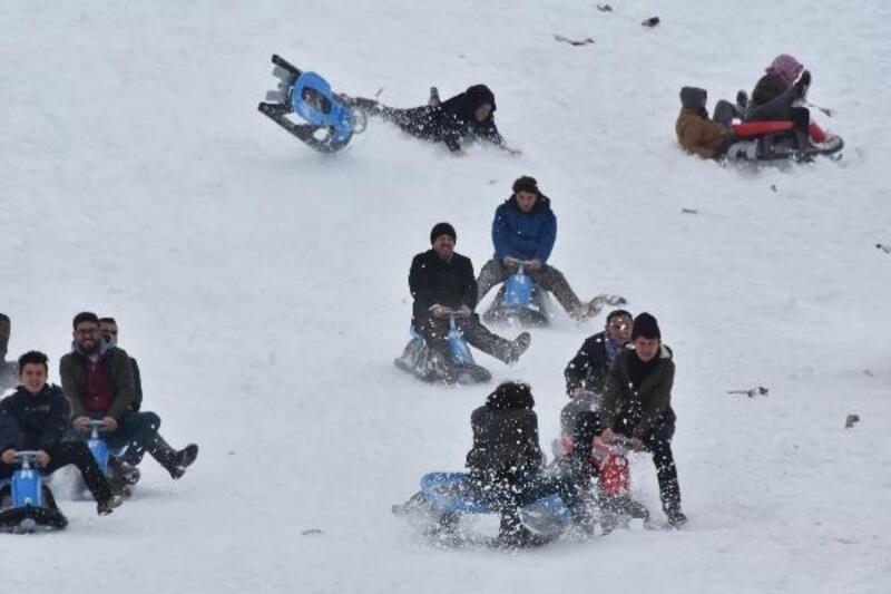 Aladağ'da kayak şenliği