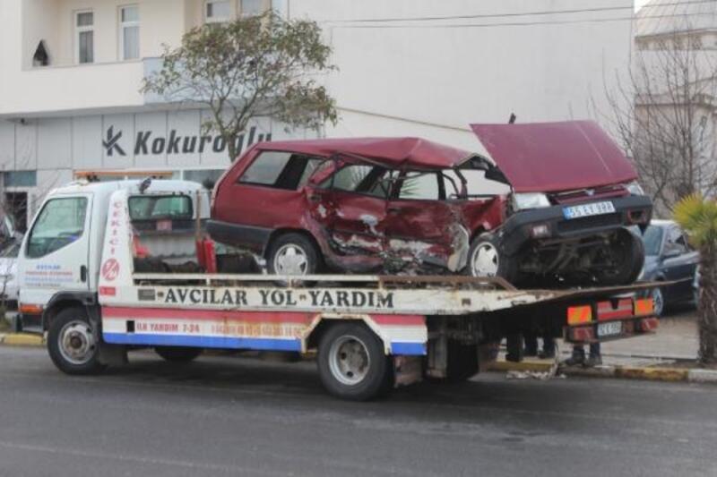 Ünye'de 2 kişinin yaralandığı kaza kamerada