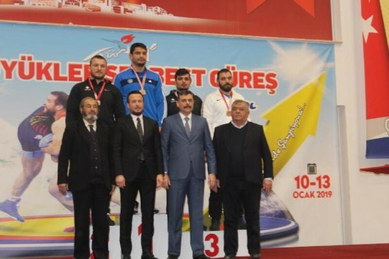 Türkiye Serbest Güreş Şampiyonası tamamlandı