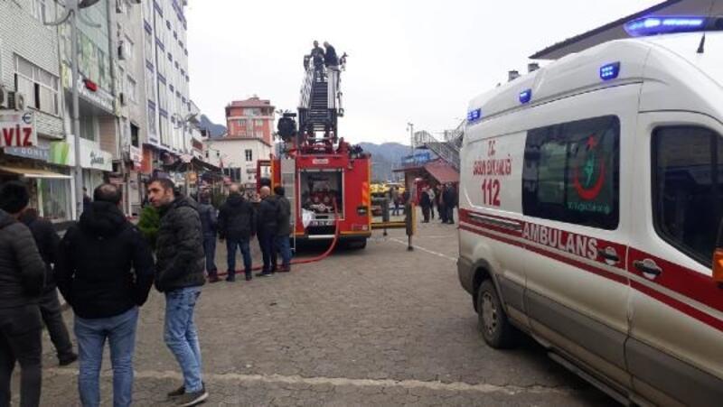 Otelde baca yangınında 3 kişi dumandan etkilendi