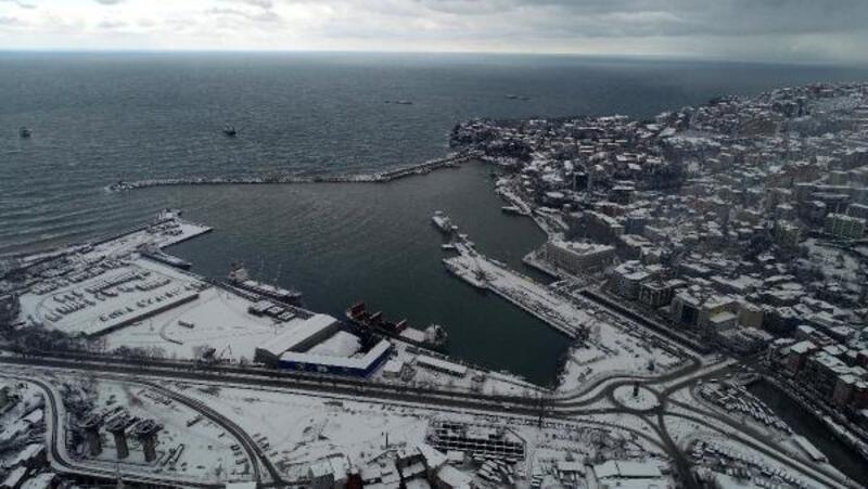 Zonguldak'ta kar manzarası havadan görüntülendi