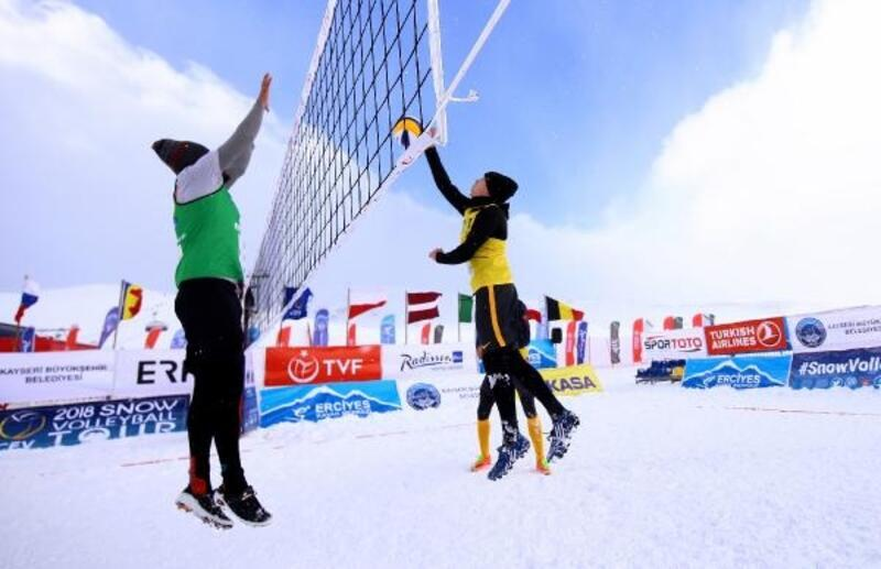 Kar voleybolu Avrupa Kupası Türkiye ayağı yine Erciyes'te