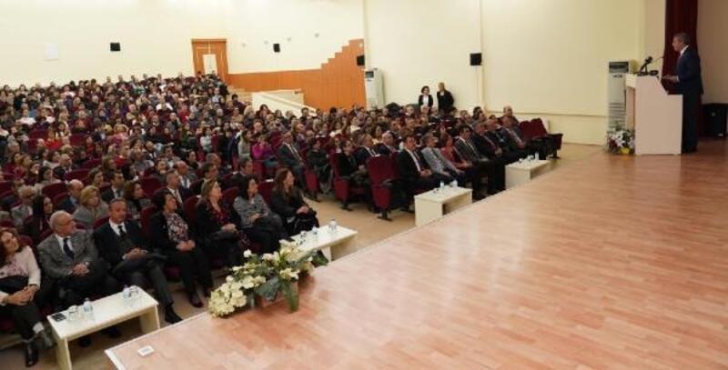 TÜBİTAK Başkanı Prof. Dr. Mandal, EÜ'de konferans verdi