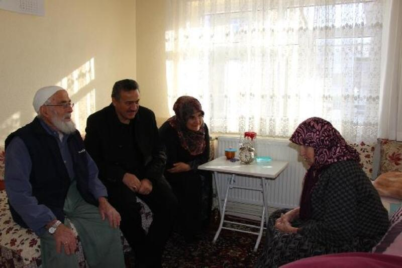 Başkan Tutal, hasta ve yaşlıları unutmuyor
