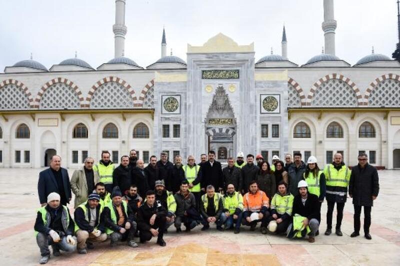 Bakan Kurum, yapımı süren Çamlıca Camii'nde incelemelerde bulundu