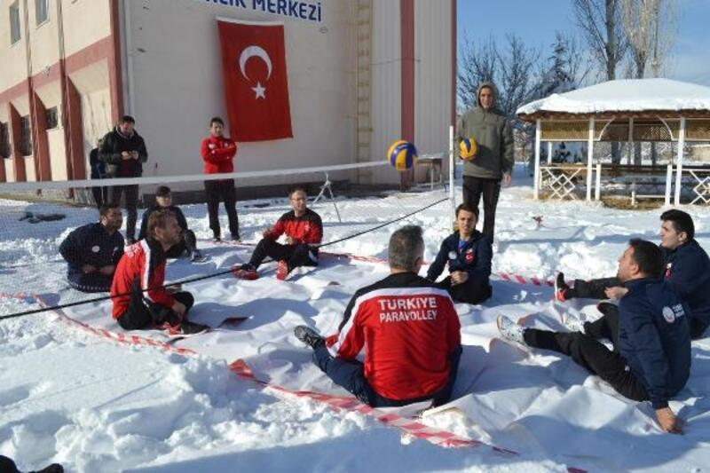Paravoleybol  Milli Takımı, Sarıkamış şehitleri için kar üzerinde antrenman yaptılar