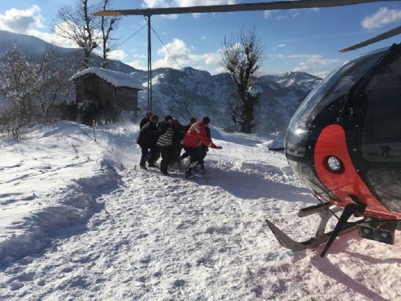 Yaralıya helikopter ambulans ile ulaşılabildi
