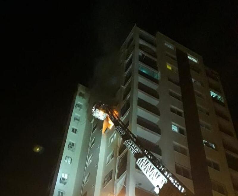 10'uncu katta çıkan yangında anne ve bebeği dumandan etkilendi