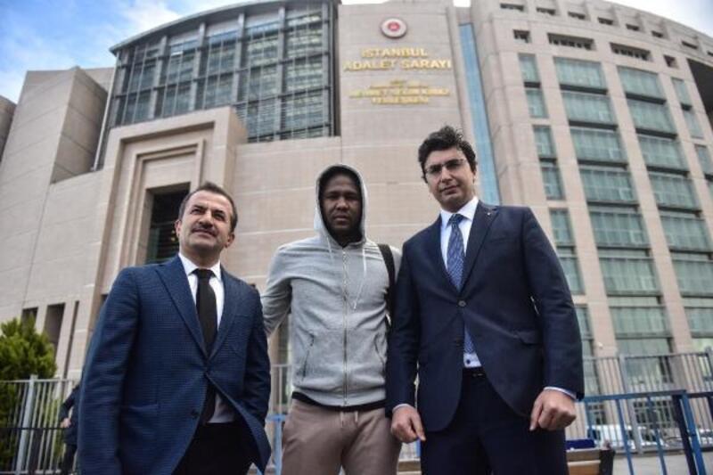 Futbolcu Hugo Rodallega suç duyurusunda bulundu