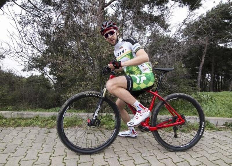 Kazazede bisikletçinin gözü 2020 Paralimpik Olimpiyatları'nda