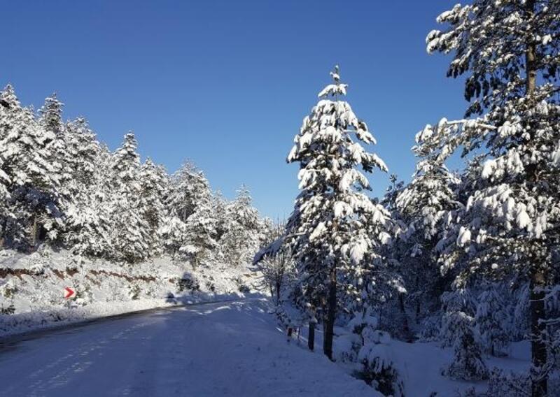 Büyükorhan'da kar sonrası kartpostallık görüntü oluştu