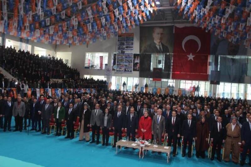 AK Parti'li Miroğlu, Hakkari'de partisinin aday tanıtım toplantısına katıldı