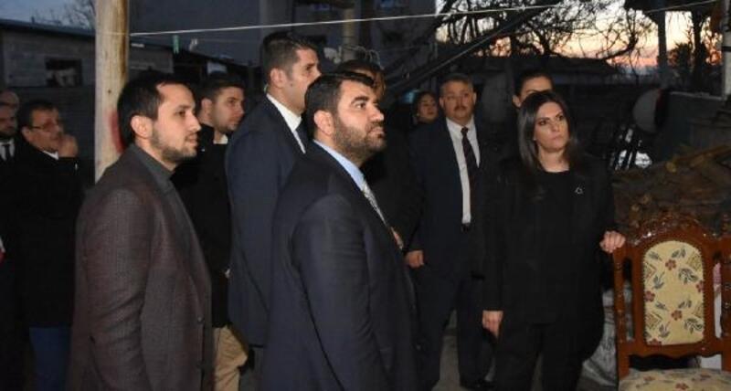 Jülide Sarıeroğlu sel felaketi yaşayan vatandaşları ziyaret etti