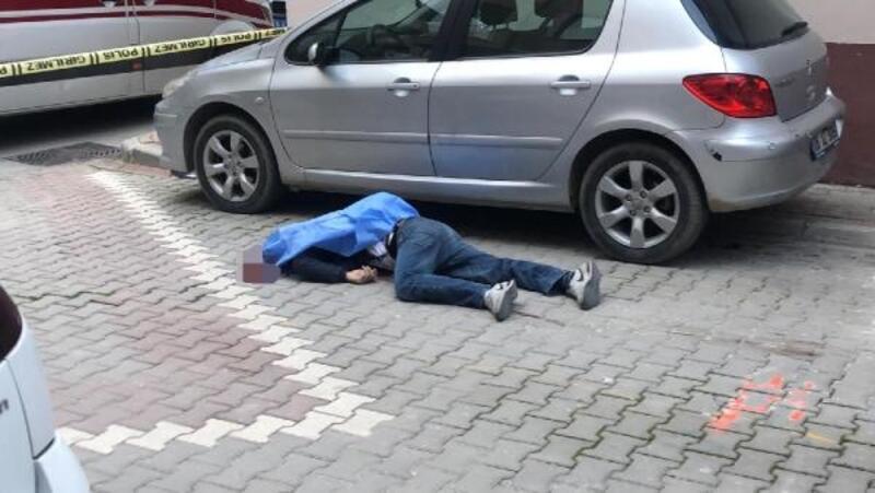 Sokakta yürürken başından vurulup, öldürüldü