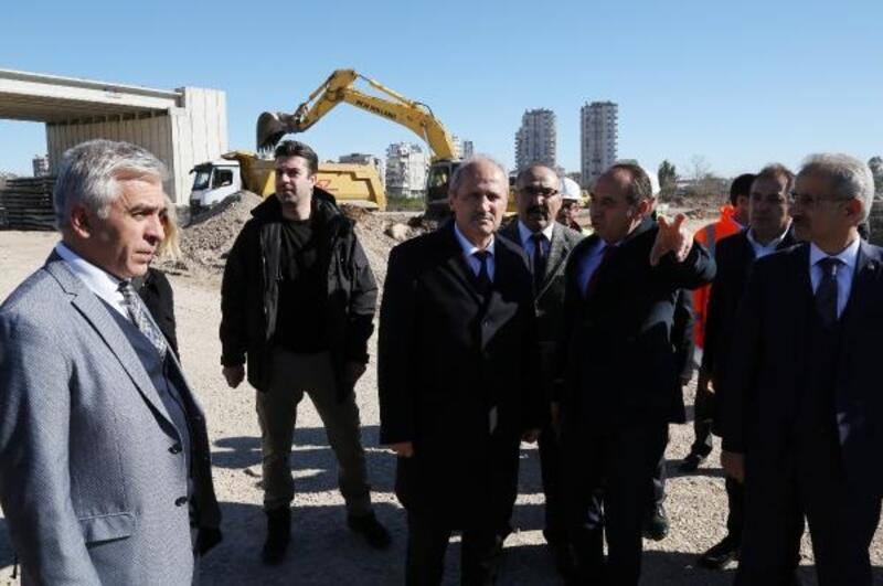 Bakan Turhan: Antalya'yı İzmir'e otoyol ve hızlı trenle bağlayacağız