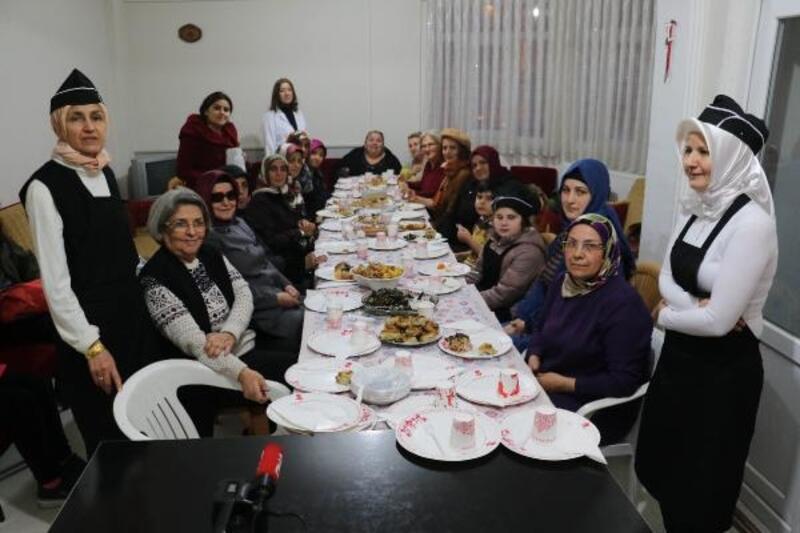 Samsun'da görme engelliler ziyafet verdi