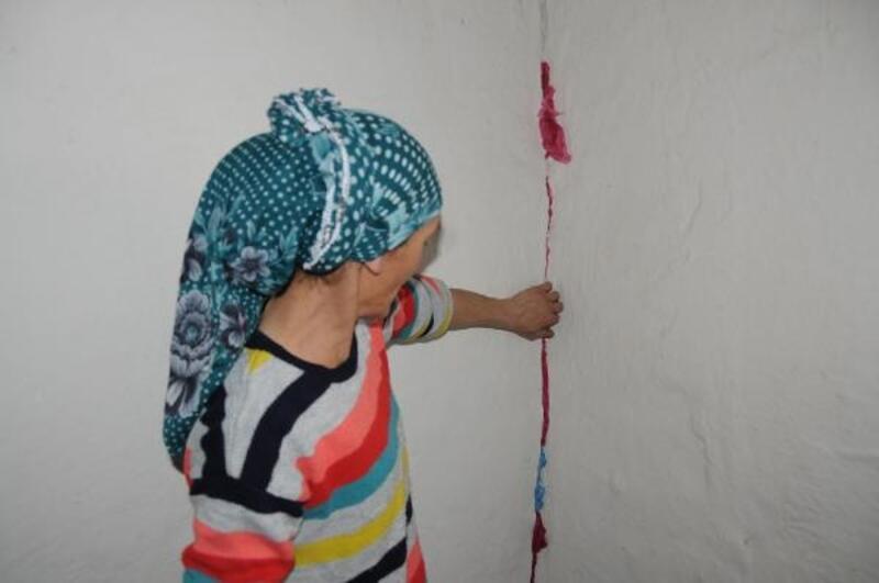 Yüksekova'da 3 çocuklu ailenin tek odalı evde yaşam mücadelesi