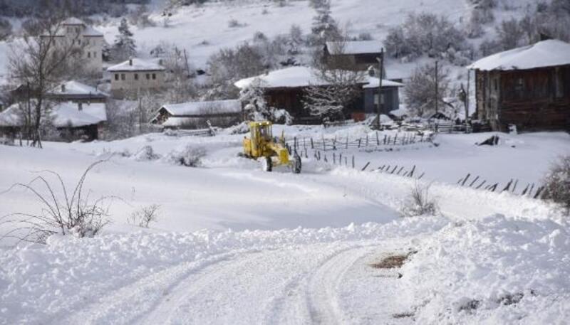 Karabük'te 223 köy yolu ulaşıma kapandı