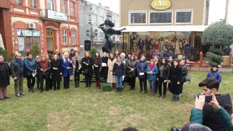Edirne'de kadın cinayetleri protesto edildi