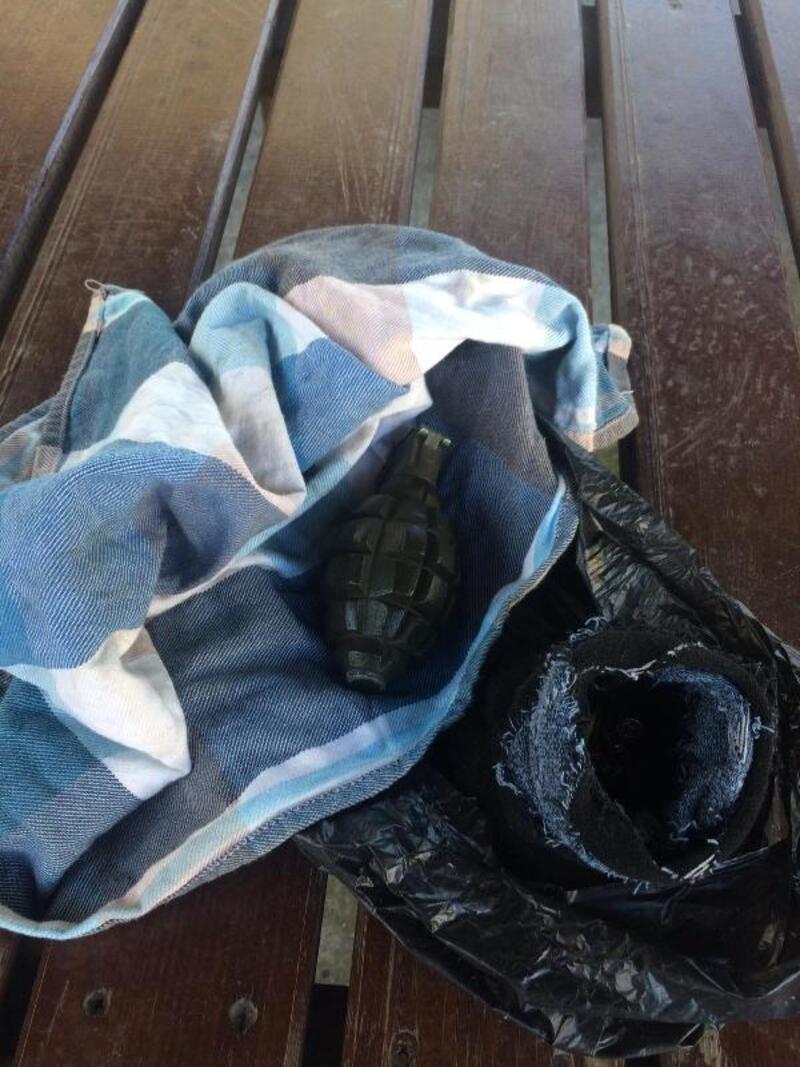 Esenyurt'ta sitede el bombası ve mermiler bulundu