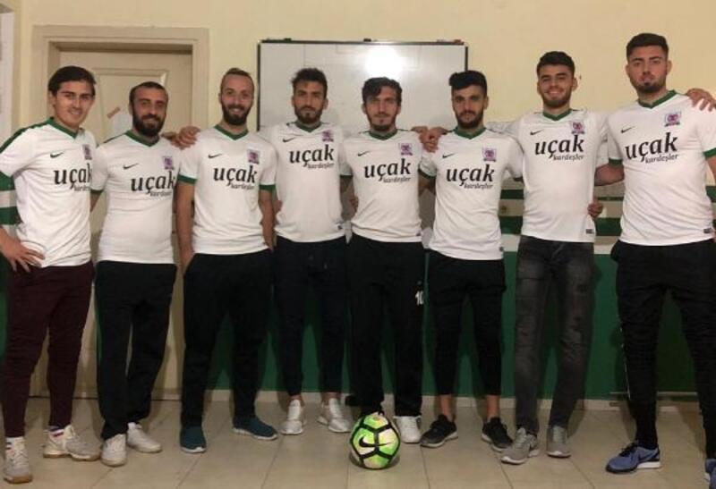 Kınıkspor'da 8 yeni transfer