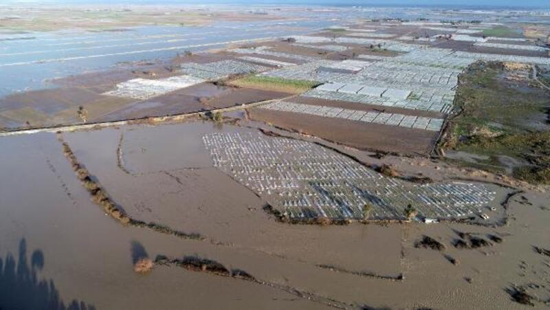 Tarsus'taki tarım arazileri sular altında