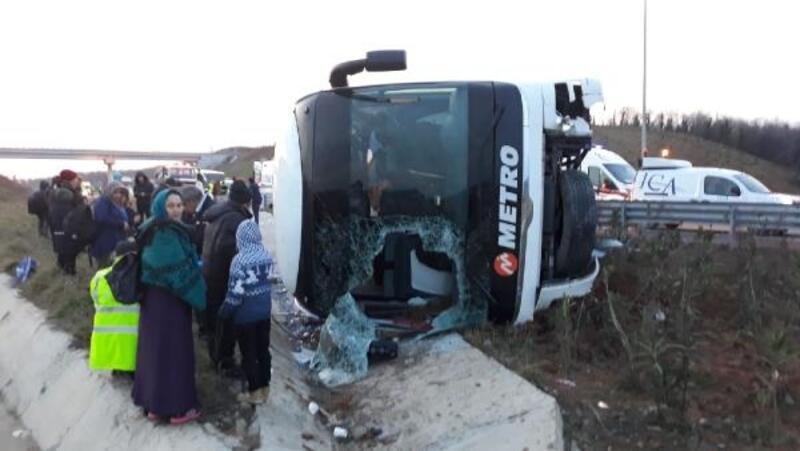 Kuzey Marmara Otoyolunda otobüs devrildi