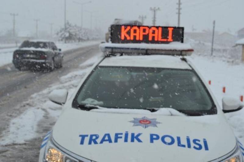 Aksaray'da kar yağışı ulaşımı aksattı