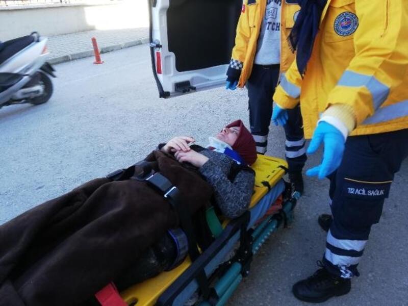 Çamaşır asarken balkondan düşen kadın yaralandı