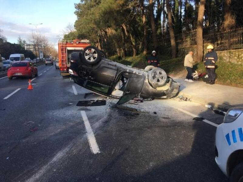 Sarıyer'de otomobil ambulansa çarptı: 2 yaralı