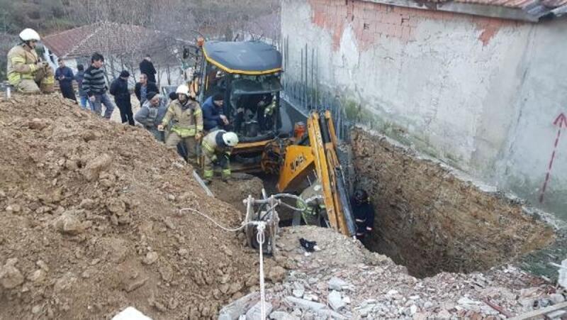 Arnavutköy'de inşaat kazısında göçük; 1 işçi mahsur kaldı