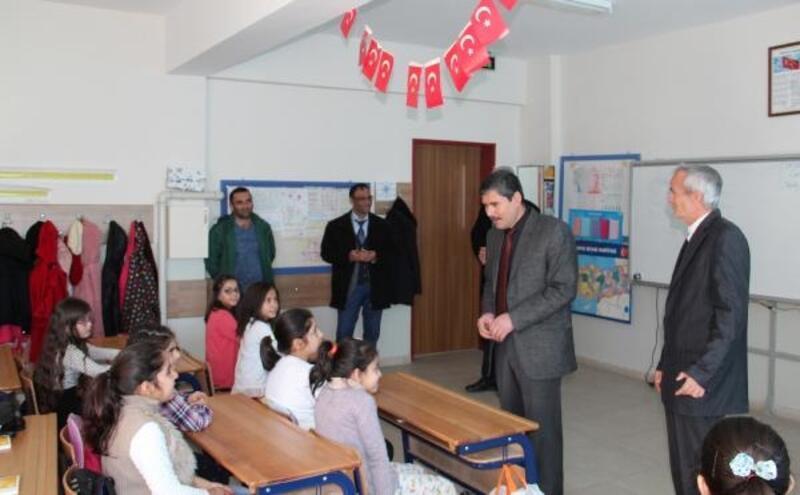 Dinar'da öğrenciler karne aldı
