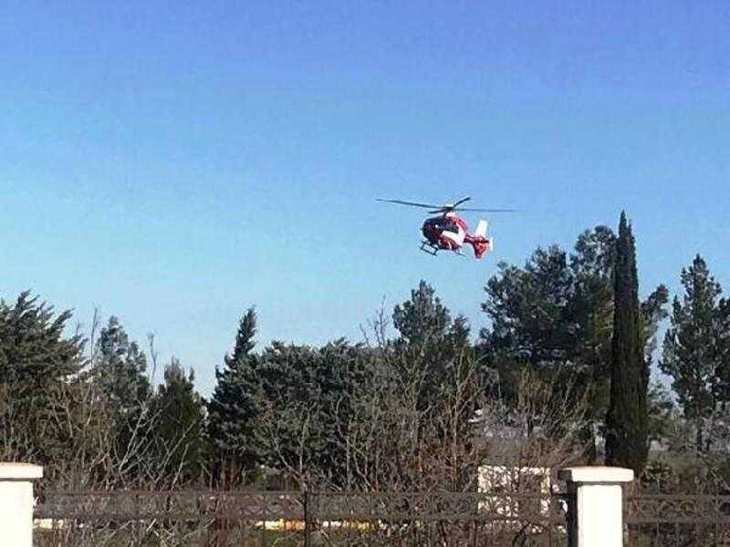 Kar yolları kapattı, rahatsızlanan kadın helikopterle hastaneye sevk edildi