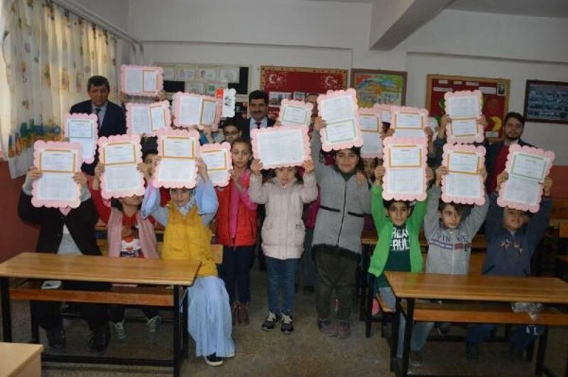 Manisa'da 248 bin öğrenci karne aldı