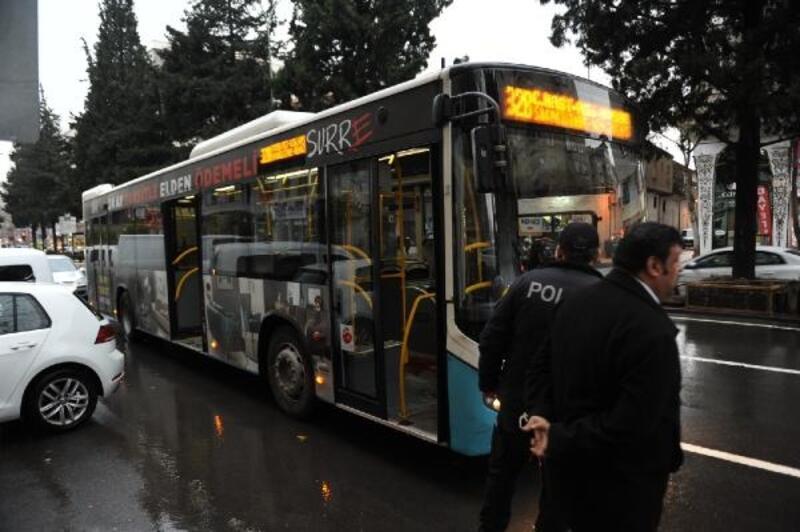Özel halk otobüsünde 'taciz' kavgası: 1 yaralı