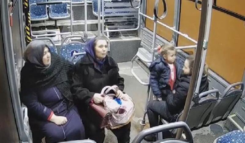 Otobüste fenalaşan çocuğu sürücü hastaneye yetiştirdi