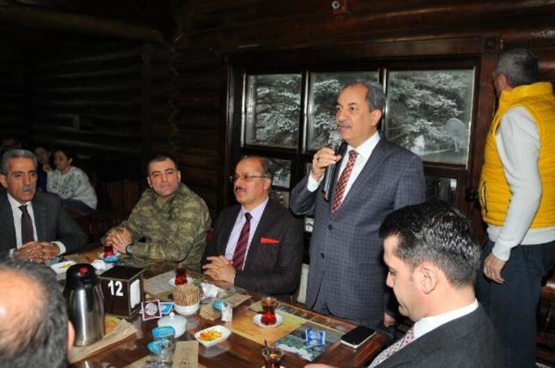 Akşehir Belediyesi. protokolü yemekte buluşturdu