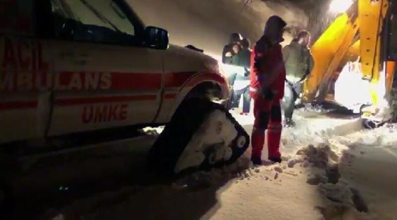 Bingöl'de çatıdan düşen kar yığını altında kalan kadın öldü