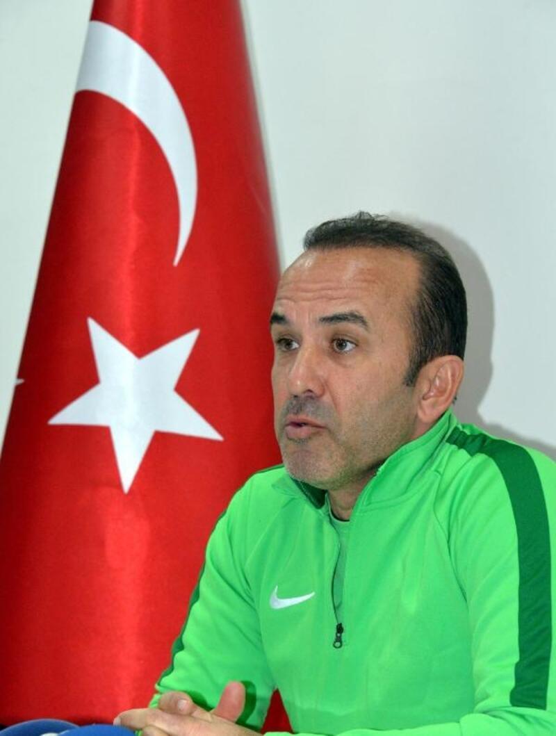 """Mehmet Özdilek: """"İkinci yarıya moralli başlamak istiyoruz"""""""