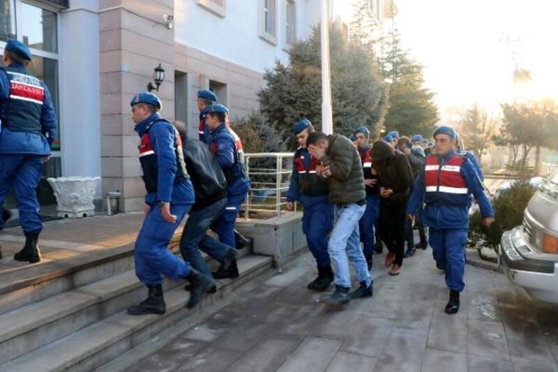 Afyonkarahisar'daki uyuşturucu operasyonu şüphelileri adliyede