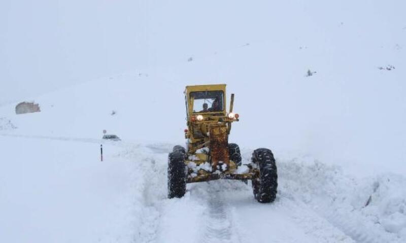 Adıyaman'da 82 köy yolu kardan kapandı