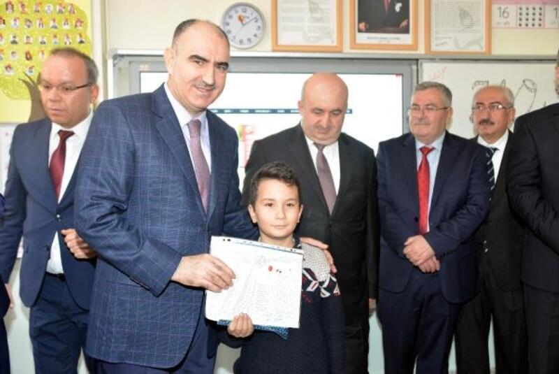 Kahramanmaraş'ta 293 bin öğrenci karne aldı