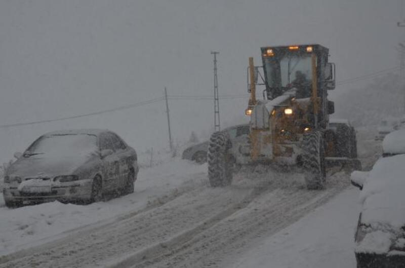 Bozüyük Belediyesi kar nöbetinde
