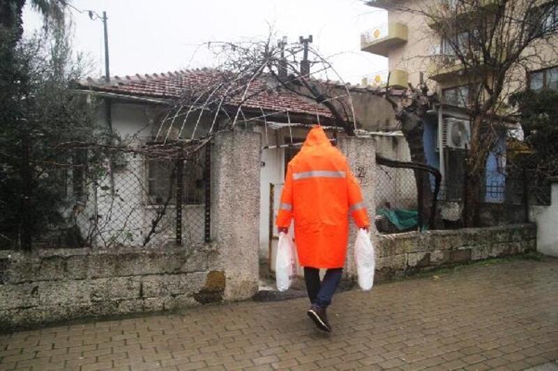 Yağmurun vurduğu Mersinli'ye yardım eli