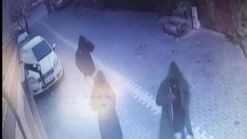 Büyükçekmece'de kuyumcudaki soygun girişimi kamerada