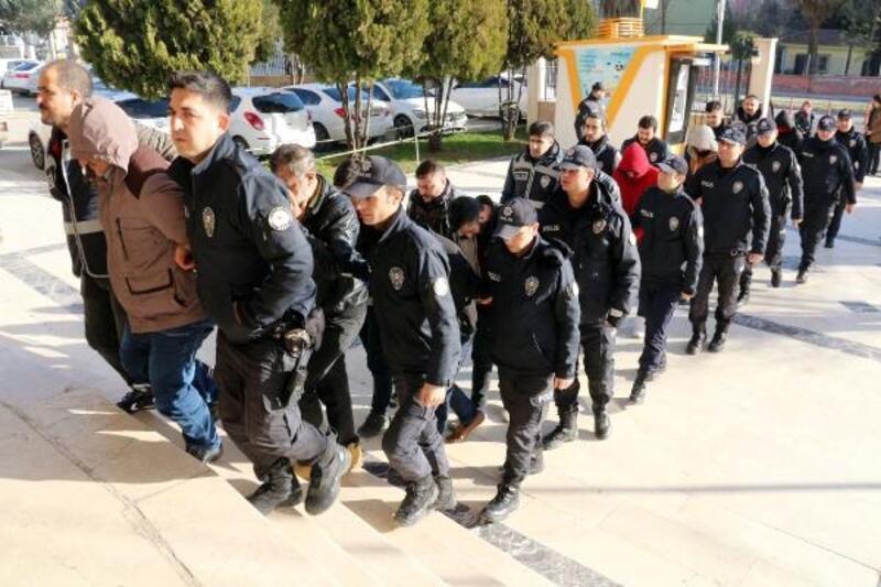 Fuhuştan gözaltına alınan 15 kişi adliyeye sevk edildi